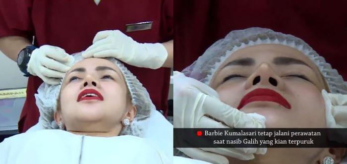 Barbie Kumalasari menjalani perawatan wajah di sebuah klinik kecantikan