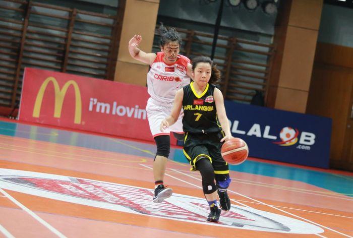 Laga LIMA Basket Nationals 2019 antara Tim Putri Universitas Surabaya dan Universitas Airlangga, Senin (13/8/2019).