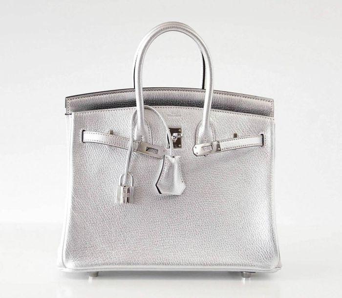 Tas mewah milik Syahrini