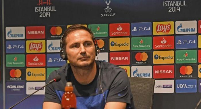 Frank Lampard dalam sesi konferensi pers persiapan Piala Super Eropa antara Liverpool vs Chelsea.