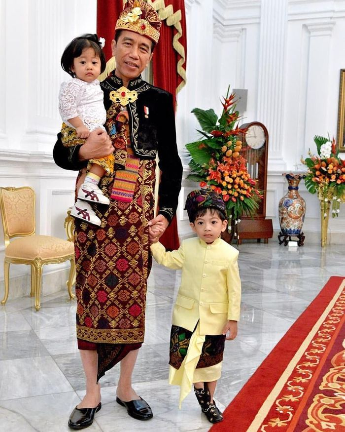 Penampilan Jokowi, Jan Ethes, dan Sedah Mirah saat upacara 17 Agustus