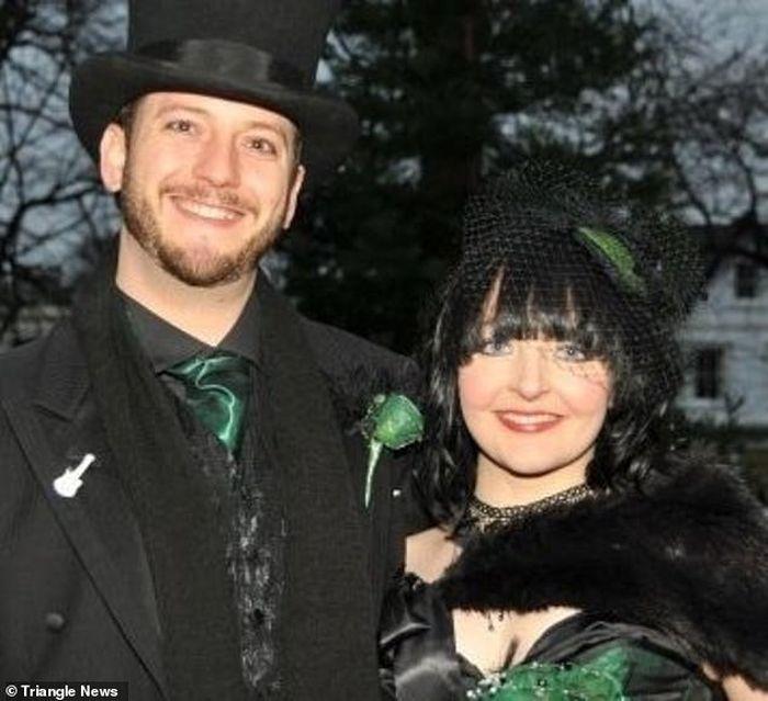 Foto pernikahan Warren dan kelly.