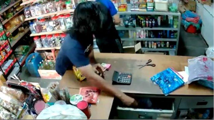 Rampok berusaha gasak kasir minimarket