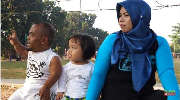 Kebersamaan Ucok Baba dan keluarga