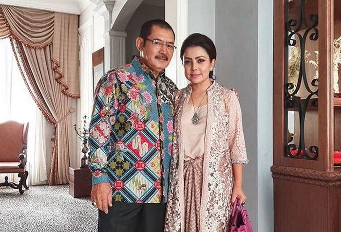 19 Tahun Disembunyikan Rapat Rapat, Foto Pernikahan <a href='https://pontianak.tribunnews.com/tag/mayangsari' title='Mayangsari'>Mayangsari</a> dan <a href='https://pontianak.tribunnews.com/tag/bambang-trihatmodjo' title='BambangTrihatmodjo'>BambangTrihatmodjo</a> Akhirnya Terungkap