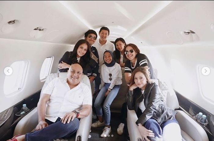 Unggahan Maia Estianty di jet pribadi