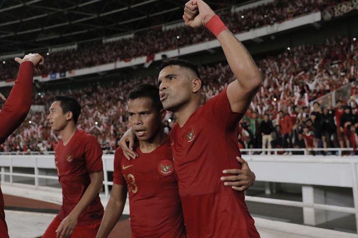 Selebrasi penyerang timnas Indonesia Alberto Beto Goncalves usai mencetak gol ke gawang timnas Malaysia pada ajang Kualifikasi Piala Dunia 2022 di Stadion Utama Gelora Bung Karno (SUGBK), Jakarta, Kamis (5/9/2019).