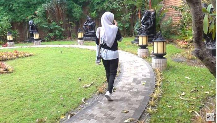 Taman rumah BJ Habibie