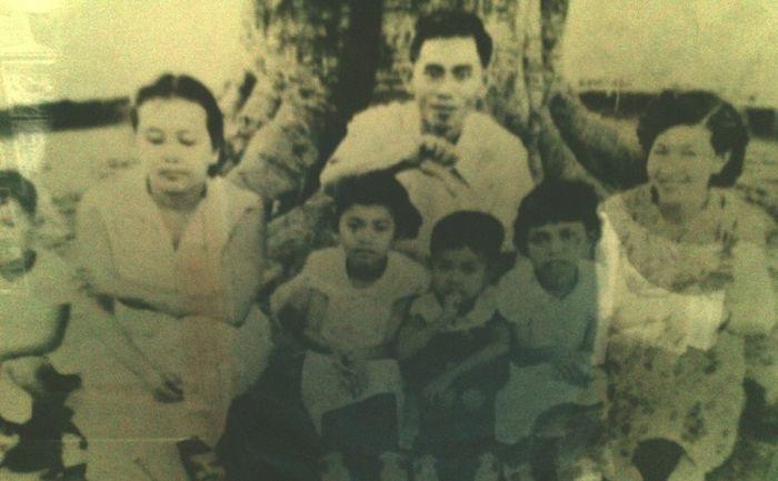 Jenderal TNI Achmad Yani dan kelurganya