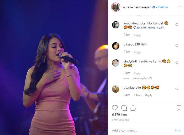 Komentar netizen karena penampilan seksi Aurel Hermansyah