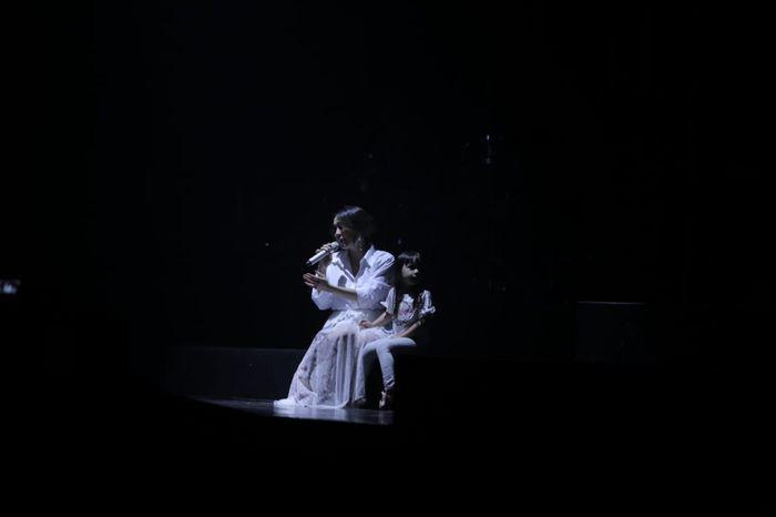 Gisella Anastasia dan Gempita Nora Marten tampil pembuka di konser 'Lukas Graham: The Purple Asian Tour Live in Jakarta', di The Hall, Kasablanka, Jakarta Selatan, Selasa (1/10/2019) malam.