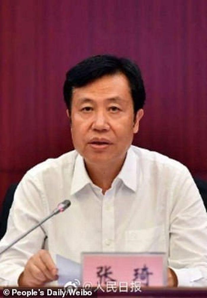 Zhang Qi, Pejabat Cina yang tertangkap melakukan korupsi.