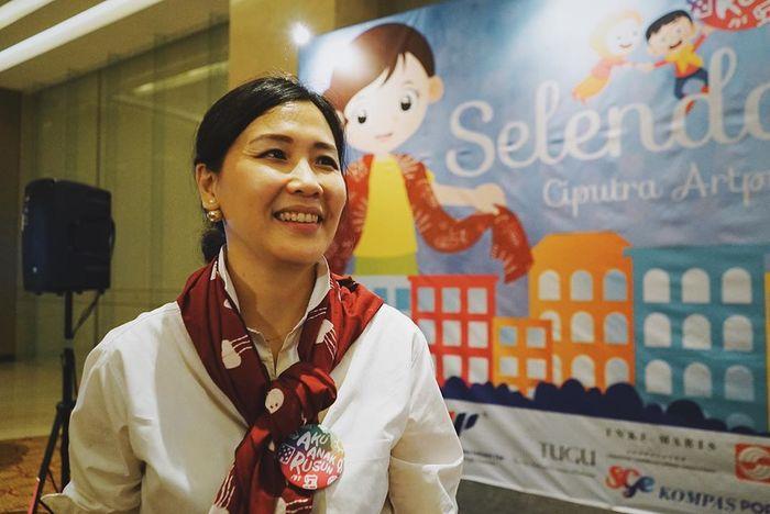 Masih Betah Sendiri Pasca Cerai dari Ahok, Lihat Tampilan Terbaru Veronica Tan Saat Bantu Anak-anak Rusun