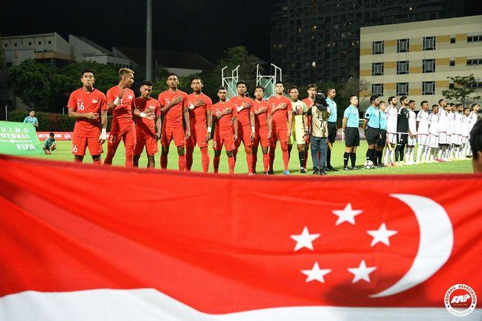 Para pemain timnas U-22 Singapura jelang laga kontra timnas U-22 UEA pada uji coba di Stadion Bishan, Singapura, 9 Oktober 2019.