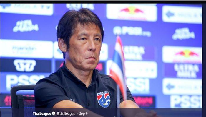 Pelatih timnas Thailand, Akira Nishino.