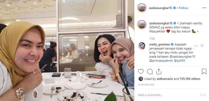 Syahrini saat santai di cafe bareng Zaskia Sungkar