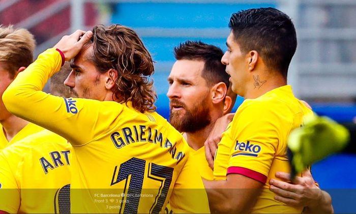 Trio FC Barcelona, Antoine Griezmann, Lionel Messi, dan Luis Suarez dalam laga pekan kesembilan Liga Spanyol versus Eibar, 19 Oktober 2019.
