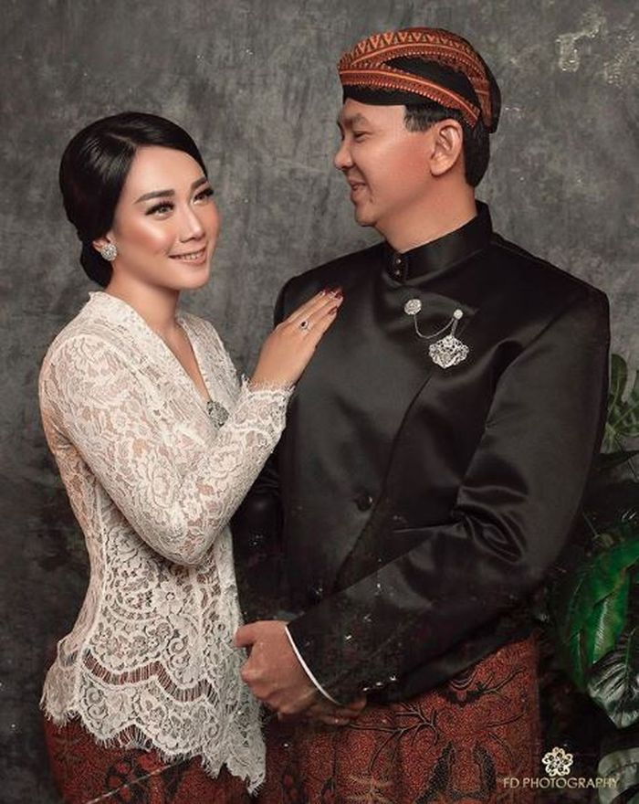 Ahok dan Puput Nastiti Devi menikah pada 25 Januari 2019 lalu. Ini adalah salah satu foto pernikahan mereka. Instagram | @fdphotography90