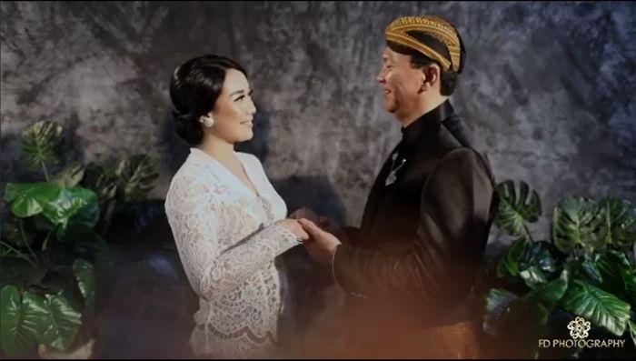 Foto pernikahan Puput Nastiti Devi dan Ahok