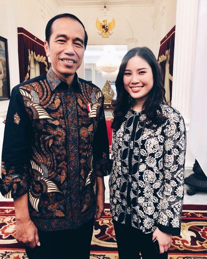 Angela Tanoesoedibjo saat foto berama Jokowi