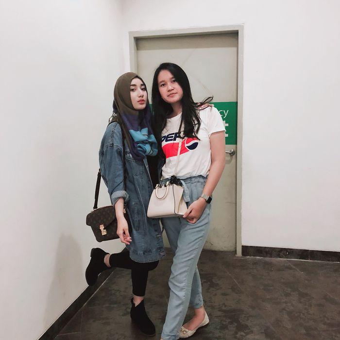 Padu padan legging hitam ala anak Cindy Fatikasari, Tengku Syaira