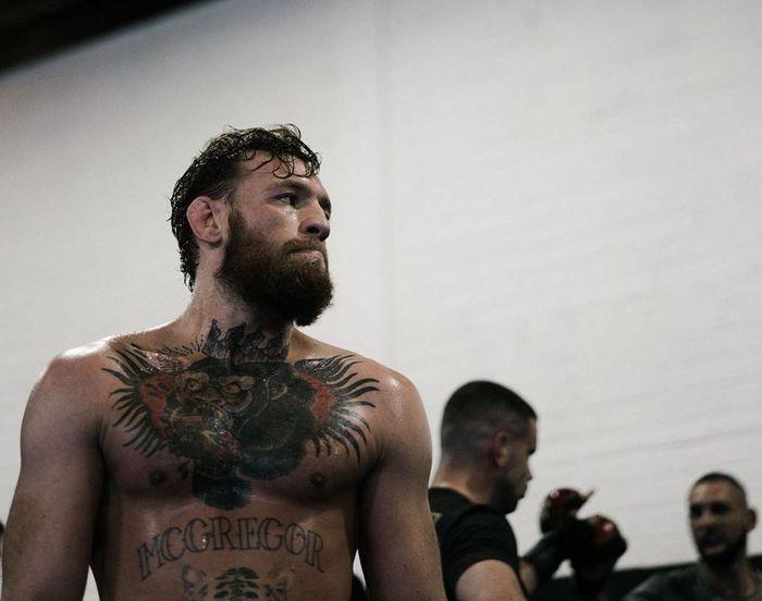 Petarung UFC asal Irlandia, Conor McGregor, bakal kembali ke oktagon pada 18 Januari 2020.