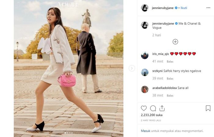 Jennie Blackpink tampil cantik dan stylish dalam balutan berbagai busana dari Chanel.