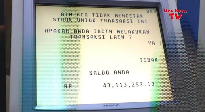 Isi saldo salah satu ATM Raffi Ahmad yang dibongkar Uya Kuya.