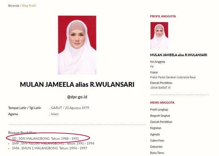 Berdasarkan data yang diunggah laman resmi web DPR RI, Mulan Jameela enyam pendidikan SD 3 tahun.
