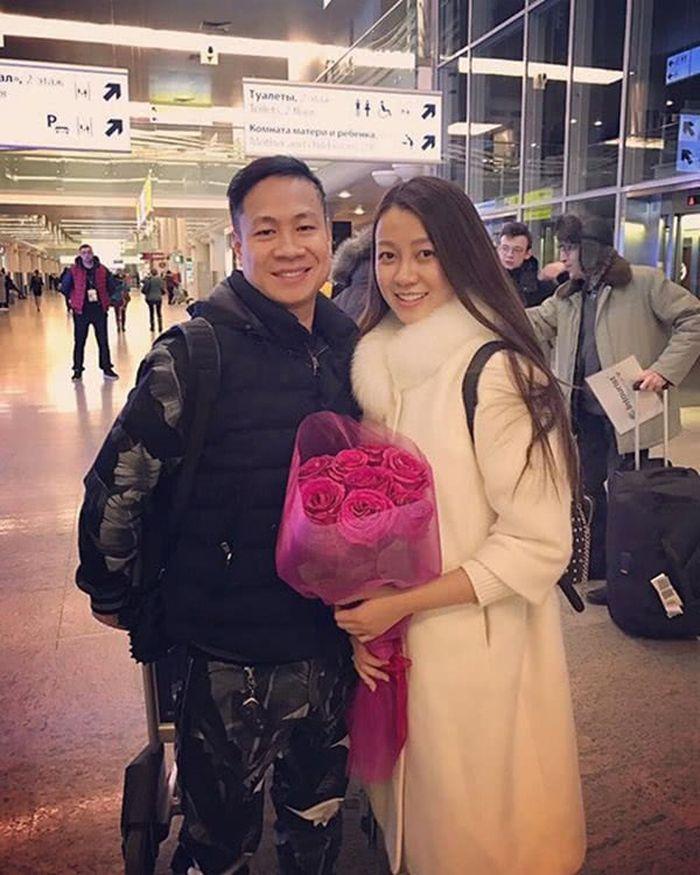 Nguyen Van Anh dan suaminya yang awalnya berkenalan di Facebook