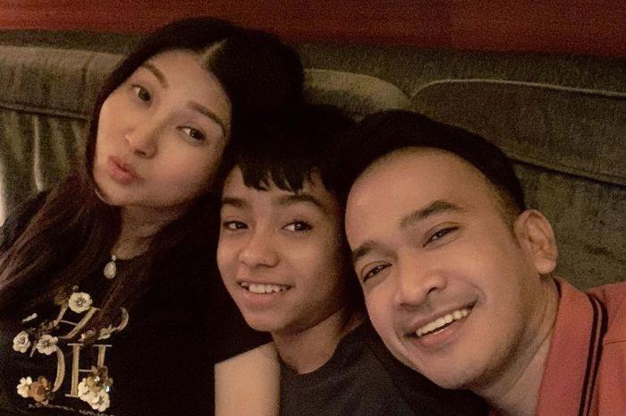 Bukan Ruben Onsu atau Sarwendah, Keputusan untuk Tinggal di Jakarta dan Menjadi Bagian Keluarga Seutuhnya Ternyata Permintaan Betrand Peto!