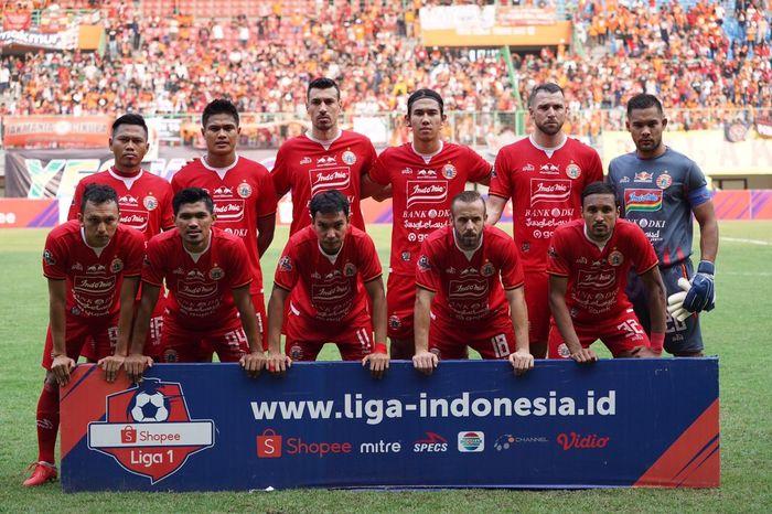 Skuad Persija Jakarta sebelum laga kontra Tira-Persikabo di Stadion Patriot Chandrabhaga, Kota Bekasi, Minggu (3/11/2019).
