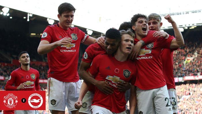 Para pemain Manchester United merayakan gol yang dicetak ke gawang Brighton & Hove Albion dalam laga Liga Inggris di Stadion Old Trafford, Minggu (10/11/2019).