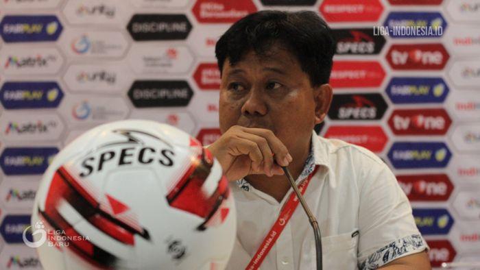 Pelatih Persik Kediri, Budiarjo Thalib, memberikan keterangan jelang laga timnya melawan Martapura FC pada delapan besar Liga 2 2019.