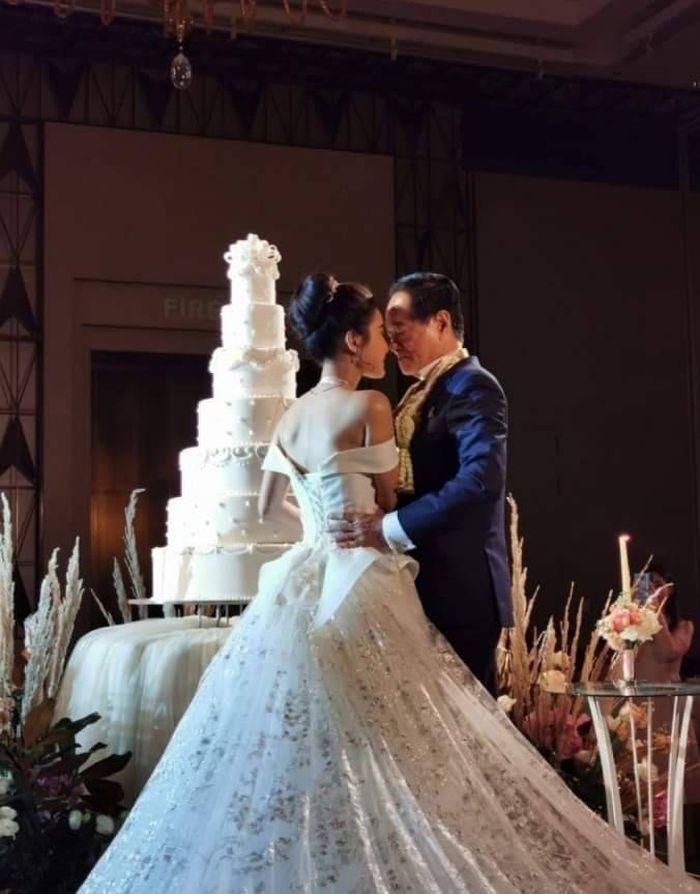 Baru Menikah untuk Pertama Kalinya, Pria 70 Tahun Ini Pinang Wanita Berusia 20 Tahun dan Beri Mahar Hingga 9 Miliar!