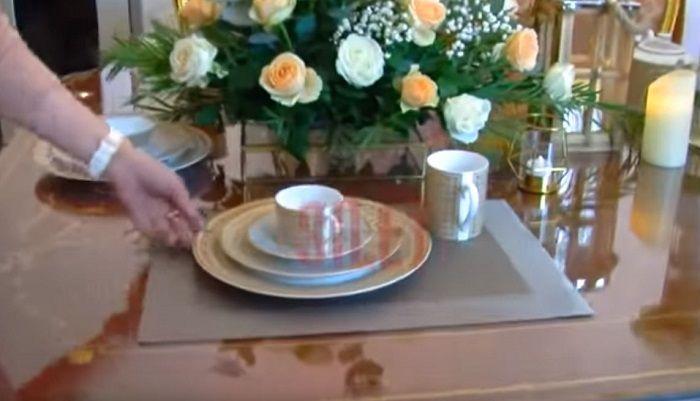 Potret piring dan gelas yang harganya capai jutaan rupiah