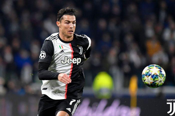 Megabintang Juventus, Cristiano Ronaldo, beraksi dalam laga Grup D Liga Champions melawan Atletico Madrid di Juventus Stadium, Selasa (26/11/2019).