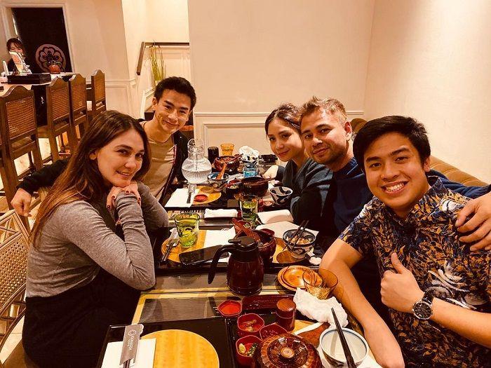 Luna Maya terciduk boyong Ryochin saat makan malam bareng Raffi Ahmad dan Nagita Slavina