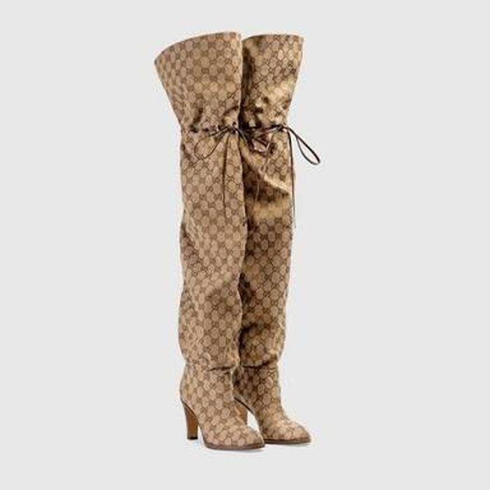 Sepatu boots Dewi Persik