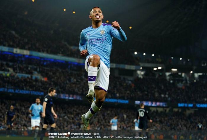 Selebrasi Gabriel Jesus usai membobol gawang Everton dalam lanjutan pertandingan Liga Inggris di Stadion Etihad, Rabu (1/1/2020).