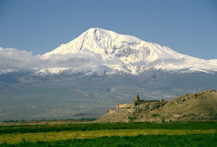 Pemandangan gunung Ararat, Turki.
