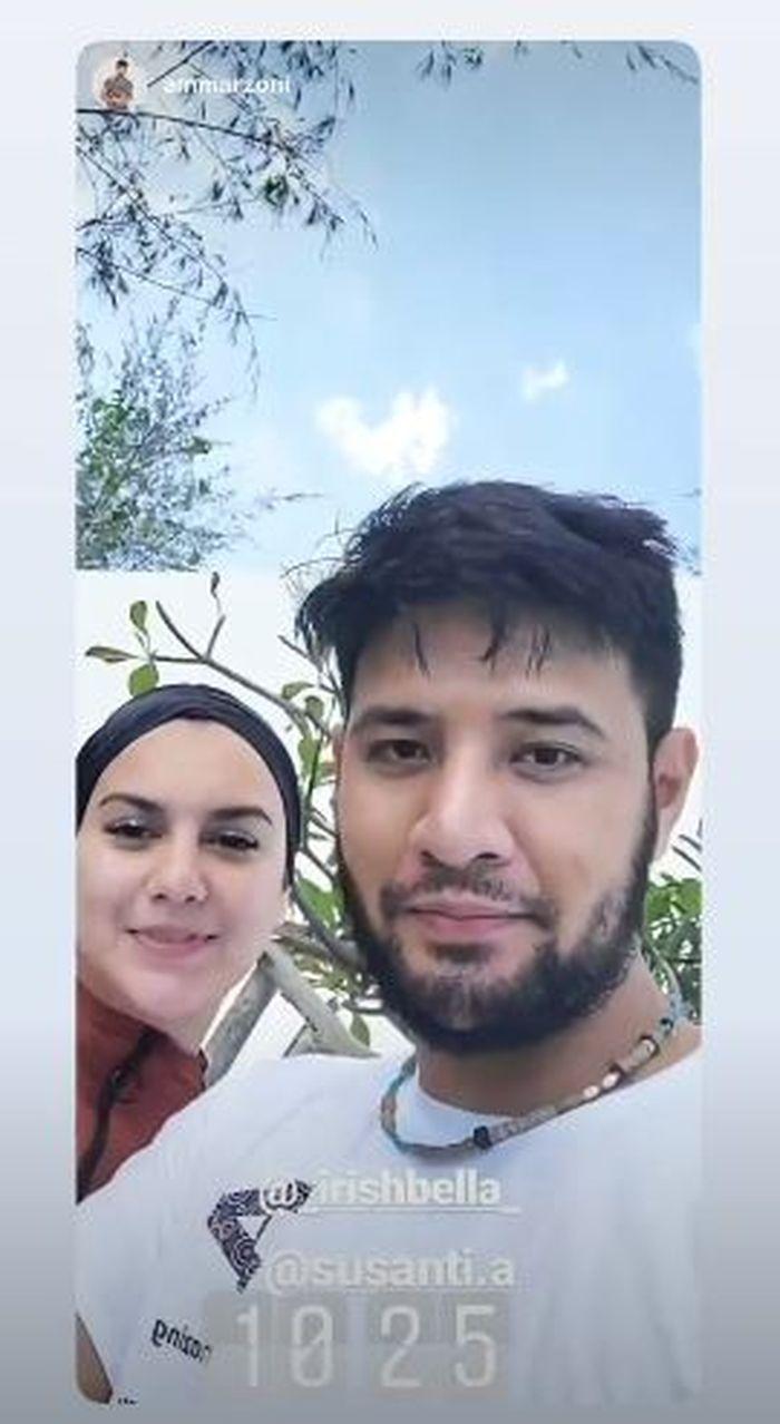 Penampilan Irish Bella dan Ammar Zoni sedang tampak berlibur di Bukukumba, Sulawesi Selatan