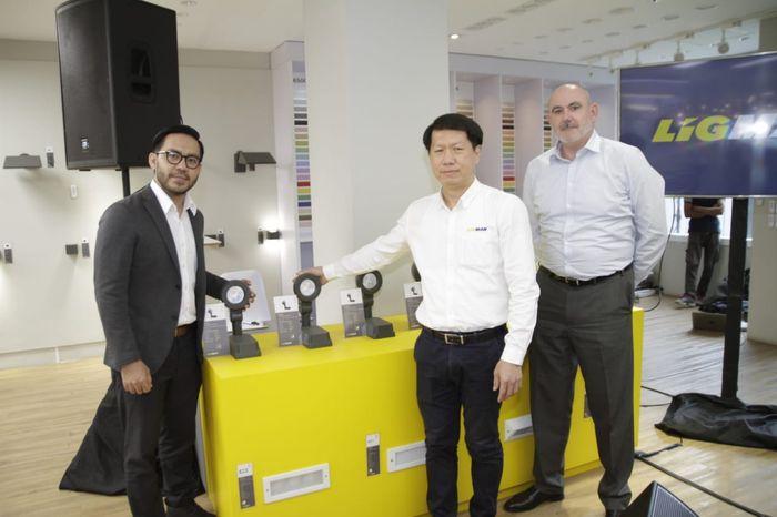 Peluncuran flagship store pertama di Indonesia.