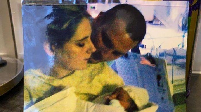 Lauren dan Paul pada saat kelahiran Maddie pada tahun 2004