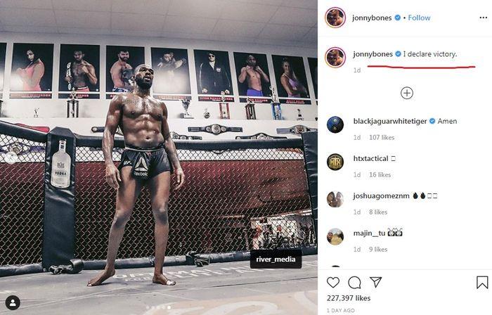 Jon Jones deklarasikan kemenangannya meski belum bertanding pada UFC 247.