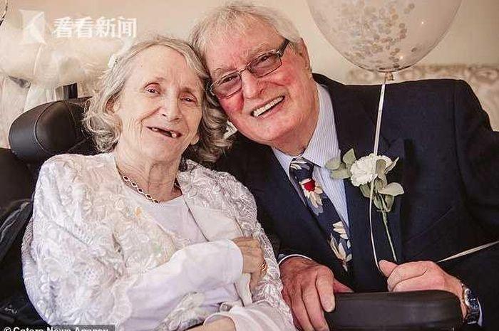 Pernikahan Colin Jones dan Pauline Young yang tertunda selama 43 tahun