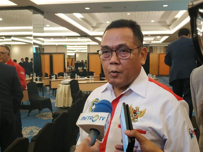 Direktur Utama PT Liga Indonesia Baru, Cucu Somantri seusai acara Workshop Liga 1 dan Liga 2 2020 di Hotel Century Atlet, Jakarta, Kamis (13/2/2020).
