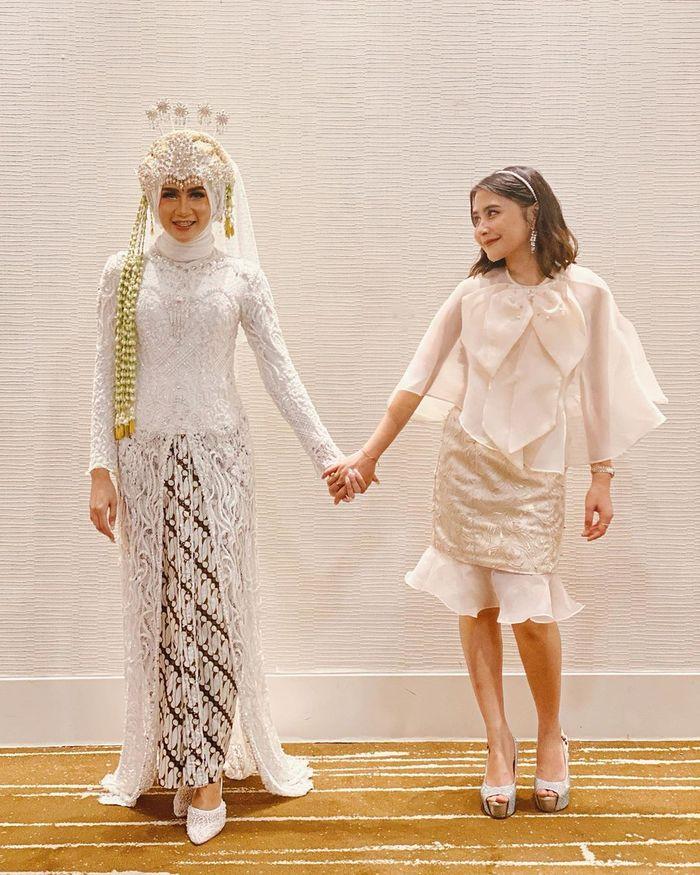 Dress kondangan ala Prilly Latuconsina