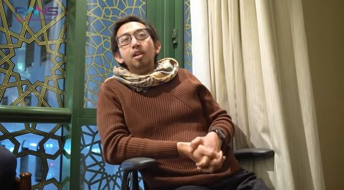 Abrar saat menceritakan kronologi pengunduran dirinya