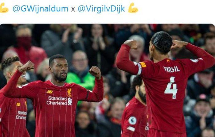 Gelandang Liverpool, Georginio Wijnaldum, merayakan golnya bersama Virgil van Dijk dalam laga Liga Inggris kontra West Ham United di Stadion Anfield, Senin (24/2/2020).